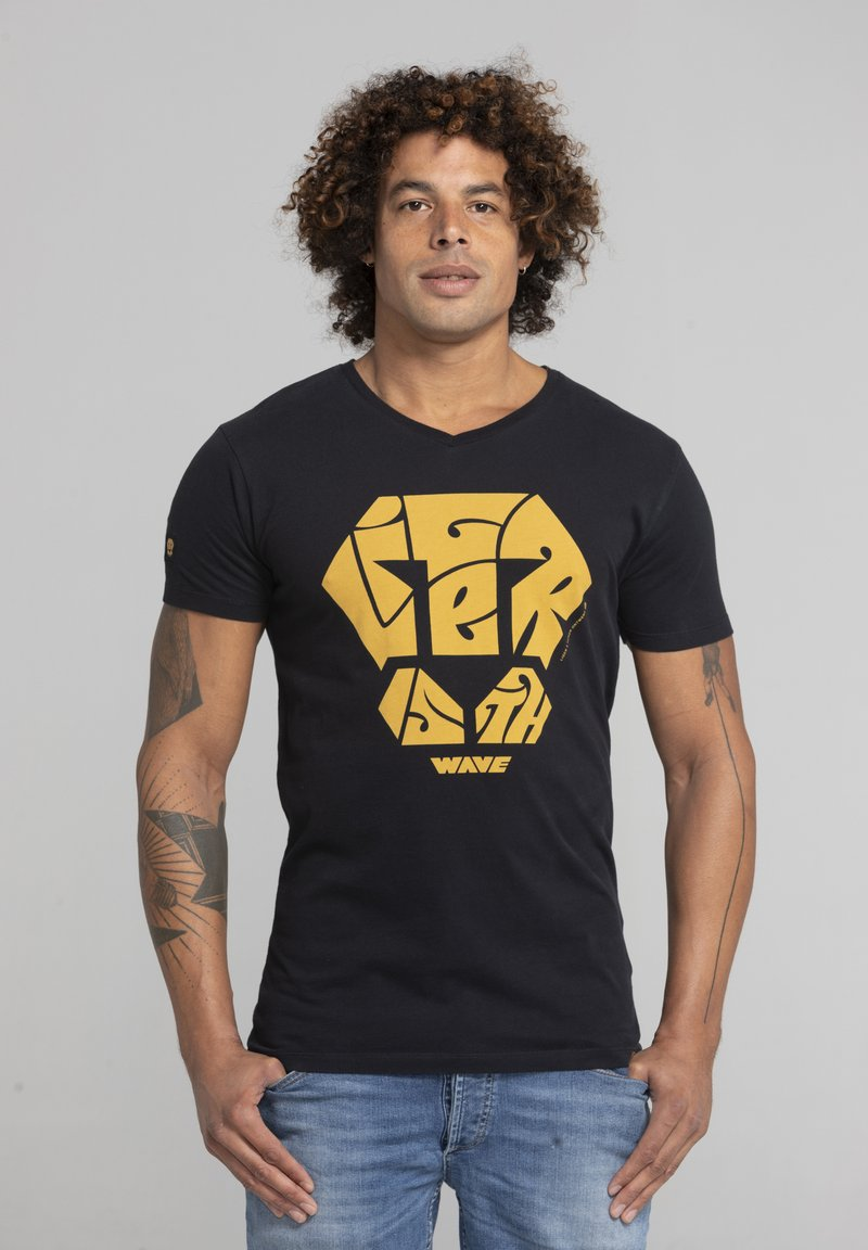 Liger - LIMITED TO 360 PIECES - MOKER - CALLIGRAPHY - T-SHIRT PRINT - Print T-shirt - black