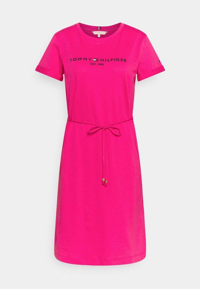 COOL HILFIGERDRESS  - Robe en jersey - pink