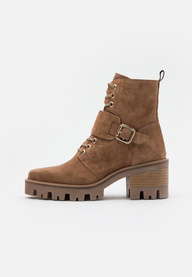 AMELIE - Kotníkové boty na platformě - bryce
