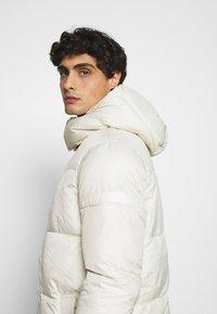 TOM TAILOR DENIM - MODERN PUFFER COAT - Winter coat - smoke white - 4