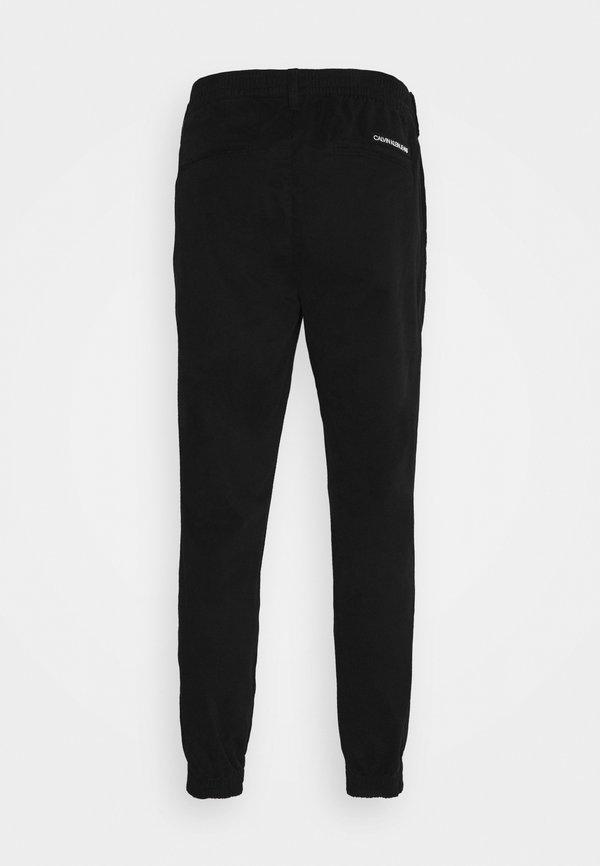Calvin Klein Jeans ESSENTIAL CUFFED CHINO - Chinosy - black/czarny Odzież Męska KQXF