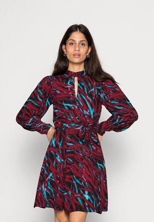 CLOSET LONDON DRESS - Day dress - red