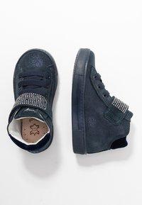 Primigi - Sneakersy wysokie - notte - 1