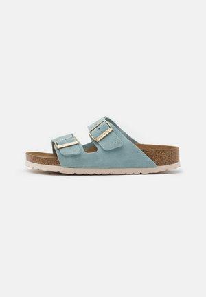 ARIZONA  - Pantolette flach - light blue