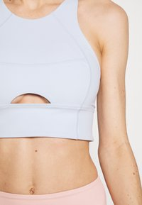 Free People - ROLL WITH THE PUNCHES BRAMI - Sujetador deportivo - sky - 5