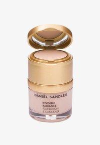 Daniel Sandler - INVISIBLE RADIANCE FOUNDATION - Foundation - porcelain - 0