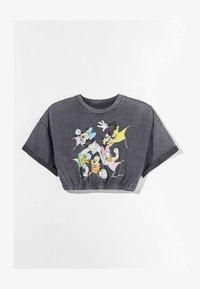 Bershka - AUS DER DISNEY-FAMILIE  - Print T-shirt - dark grey - 4