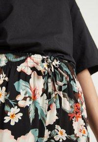 Tezenis - CULOTTE AUS LEICHTEM STOFF - Trousers - nero st.lake flowers - 3