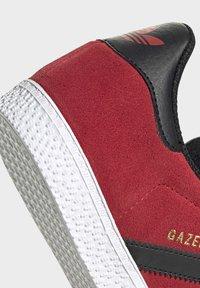adidas Originals - GAZELLE - Trainers - red - 6