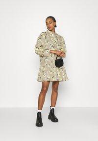 EDITED - RYLEE DRESS - Shirt dress - beige/mischfarben - 1