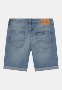Jack & Jones Junior - JJIRICK JJORIGINAL  - Shorts vaqueros - blue denim - 1
