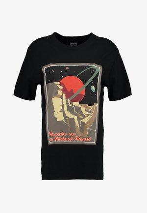 LADIES DISTANT PLANET TEE - Print T-shirt - black