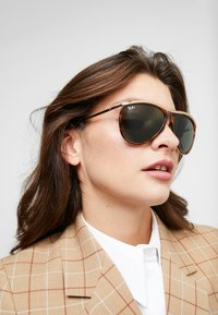 Ray-Ban - Solbriller - brown/green - 3