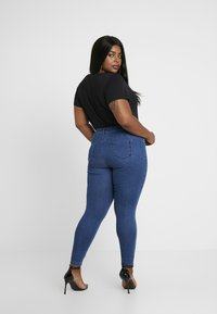 Missguided Plus - ANARCHY MID RISE - Jeans Skinny Fit - indigo - 2