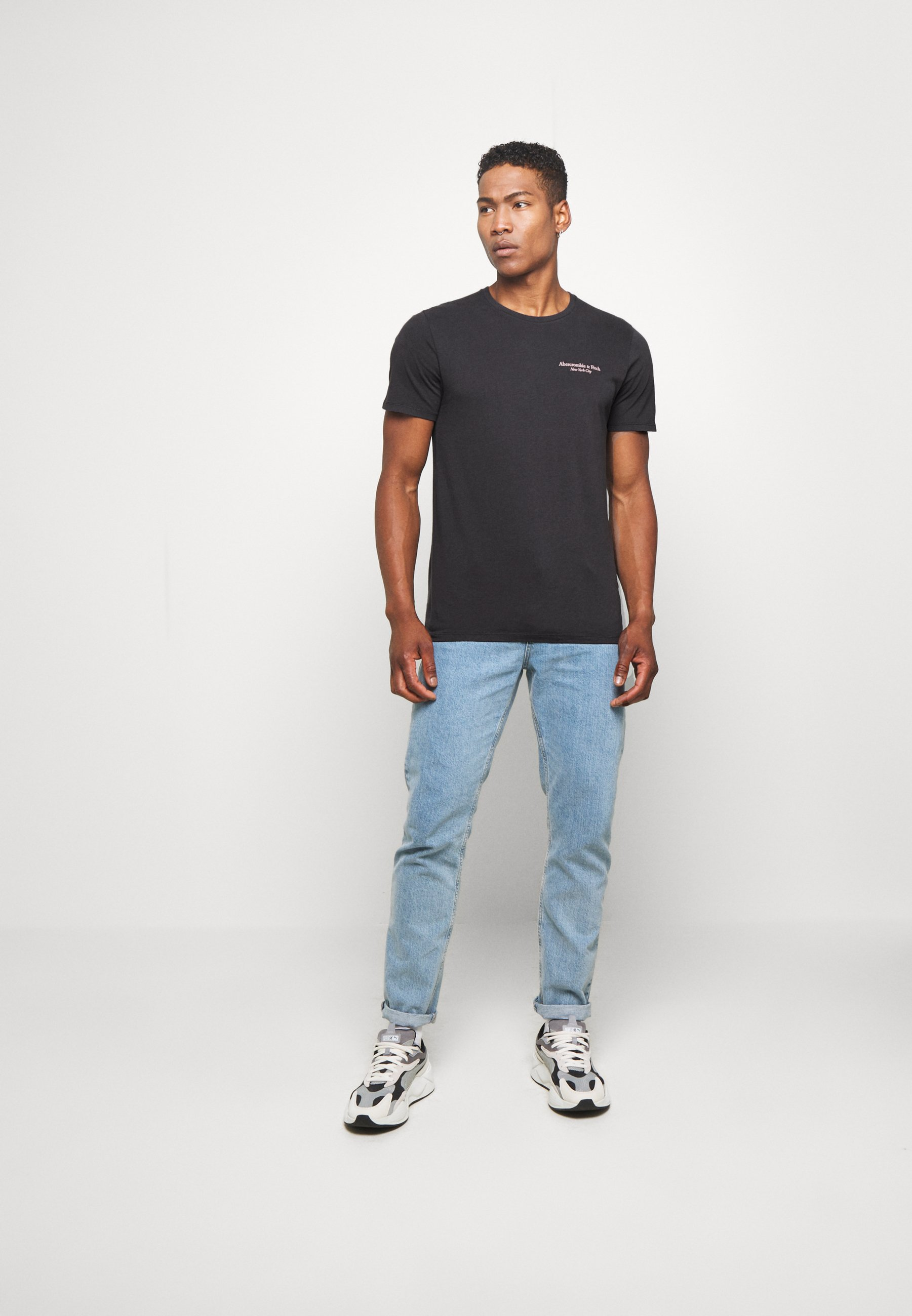 Abercrombie & Fitch IMAGERY CITY TEE - Camiseta estampada - black w1Jvi