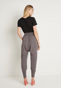Cream - NANNA PANTS - Pantalon classique - pitch black - 2