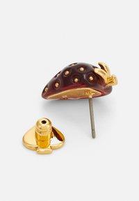kate spade new york - TUTTI FRUITY STRAWBERRY STUDS - Earrings - red - 1