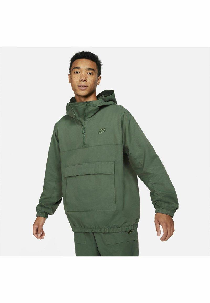 Nike Sportswear - ANORAK  - Windbreaker - galactic jade galactic jade