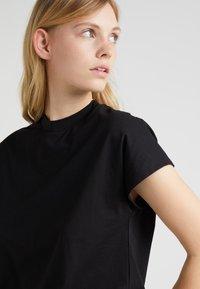 Won Hundred - PROOF - Basic T-shirt - black - 4