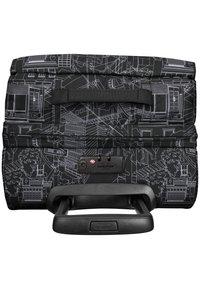 Eastpak - Wheeled suitcase - master black - 3