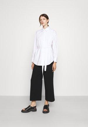 CANDY FASHIONISTA BLOUSE - Button-down blouse - white