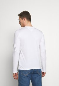 Tommy Hilfiger - CHEST STRIPE - Long sleeved top - white - 2