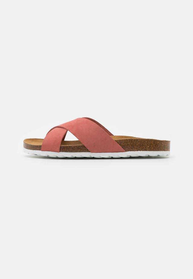 ONLMADISON SLIP ON - Domácí obuv - nude