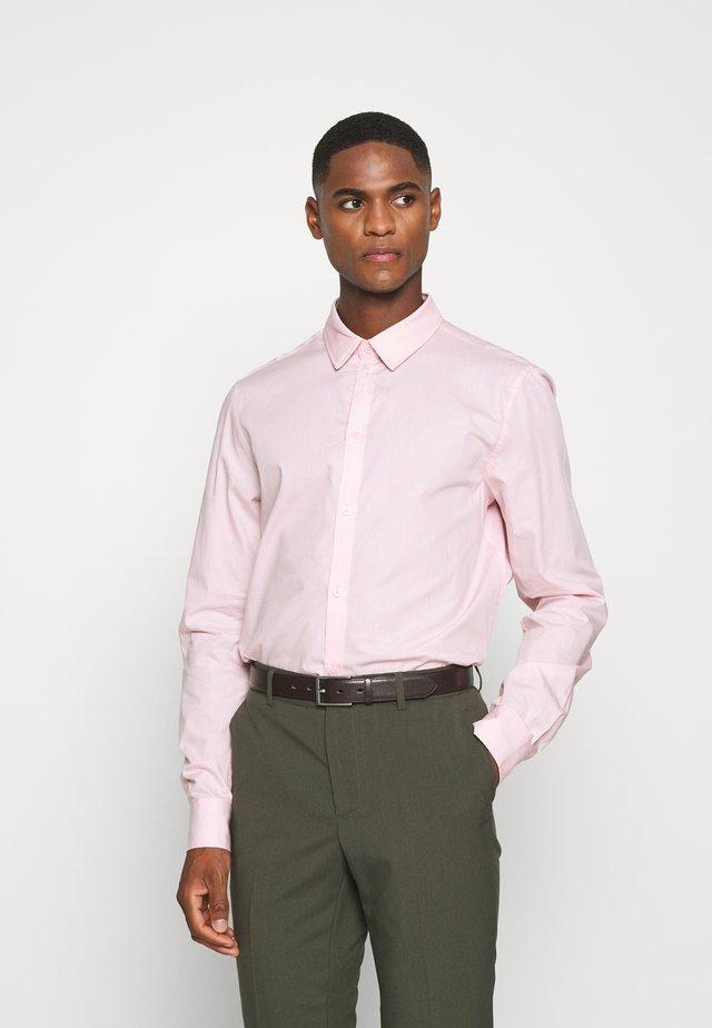 Koszula biznesowa - pink