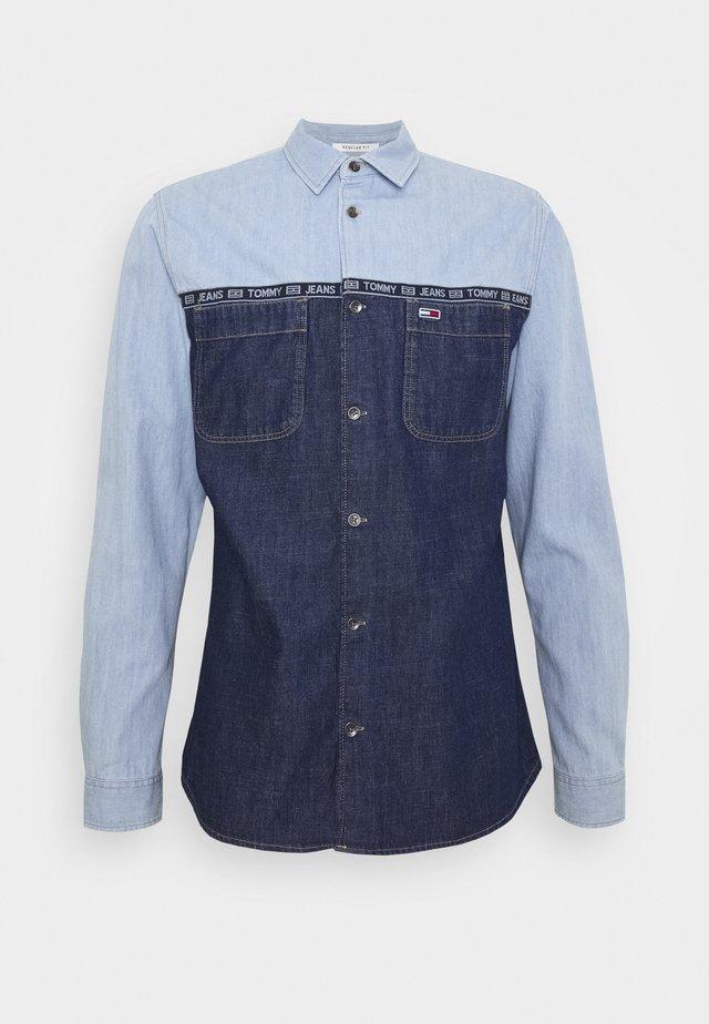 MIX DENIM SHIRT - Shirt - denim medium