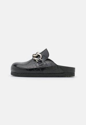 SLICE CROCO - Sandaler - black
