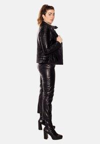 LEATHER HYPE - ÉLYSÉE PERFECTO - Leather jacket - black - 4