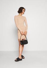 Even&Odd - JUMPER DRESS - Pouzdrové šaty - cuban sand - 1