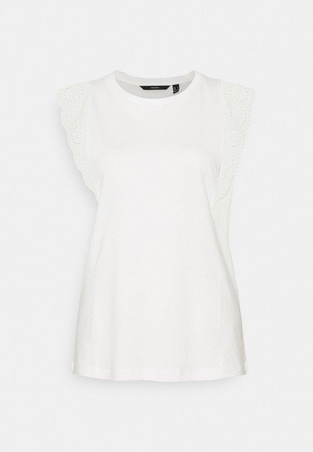 VMHOLLYN - Print T-shirt - snow white