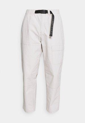 FIELD PANT - Pantalones - pumice stone