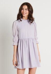 NA-KD - MINI DRESS - Koktejlové šaty/ šaty na párty - dusty lilac - 0