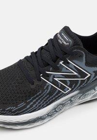 New Balance - 1080 - Neutral running shoes - black - 5