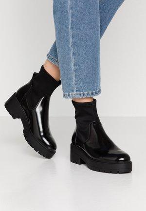 ONLBRANKA TUPE BOOT - Platform ankle boots - black