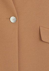Mango - MERYL - Short coat - mittelbraun - 7