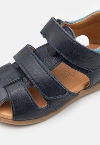 Froddo - CARTE DOUBLE - Sandalias - dark blue - 5