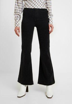 EASTCOAST FLARE - Kalhoty - black