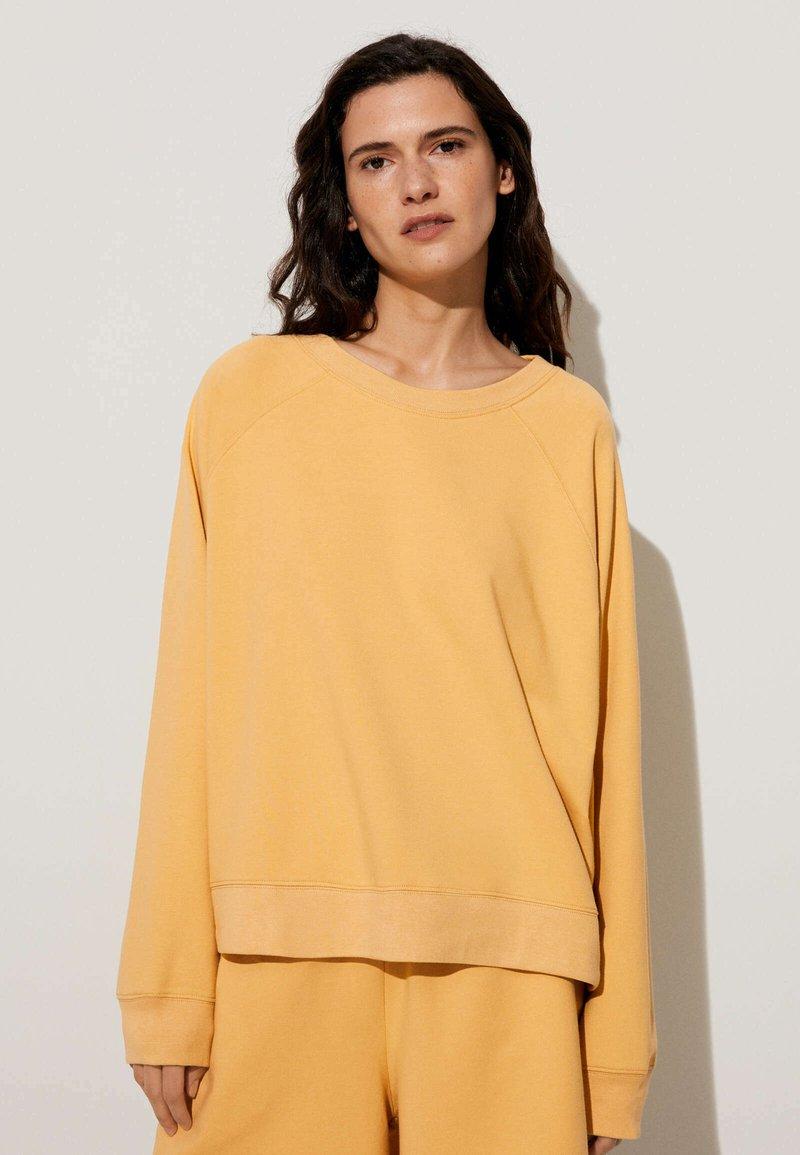 OYSHO - Collegepaita - mustard yellow
