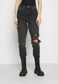 Topshop - WASHED BLACK SEOUL RIP MOM - Džíny Relaxed Fit - washed black - 0