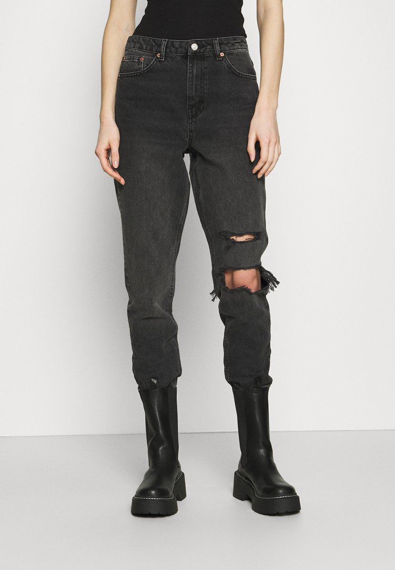 Topshop - WASHED BLACK SEOUL RIP MOM - Džíny Relaxed Fit - washed black