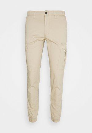 JJIMARCO JJJOE CUFFED - Pantaloni cargo - white pepper