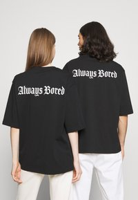 YOURTURN - UNISEX - T-shirt imprimé - black - 2