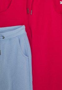 Blue Seven - KIDS BASIC 2 PACK - Teplákové kalhoty - hochrot/nachtblau - 3