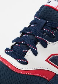 New Balance - GR997HVN UNISEX - Sneakers laag - navy/red - 5