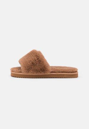 SLIDE - Slippers - camel