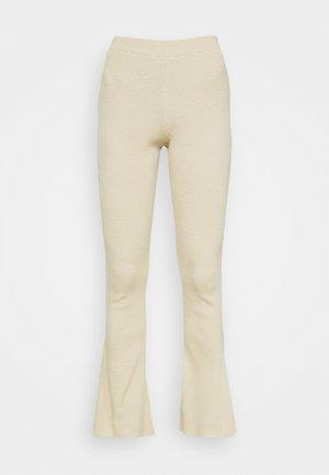 FLARE - Kalhoty - neutral