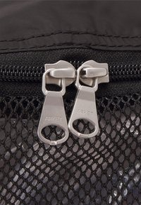 ARKET - UNISEX - Wash bag - black - 4